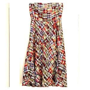 Fun plaid patterned strapless dress.
